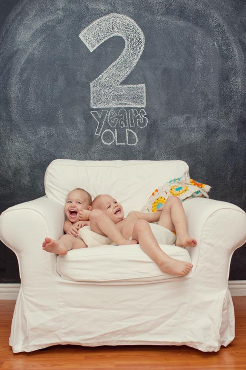 twins, monthly baby photo, twin photography, two year olds, baby growth progression