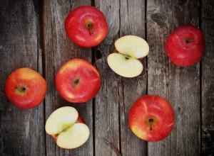 apples_wood-300x220