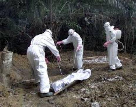 ebola-burying-dead-bodies[1]