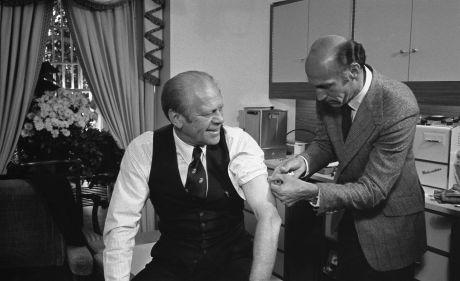 President_Ford_receives_a_swine_flu_inoculation