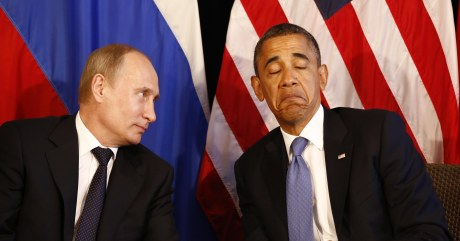 U.S. President Barack Obama (R) meets with Russia's President Vladimir Putin in Los Cabos, Mexico, June 18, 2012. The leaders are in Los Cabos to attend the G20 summit. REUTERS/Jason Reed (MEXICO - Tags: POLITICS)