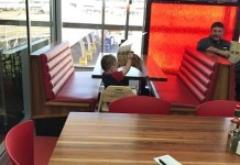kid left alone in restaurant