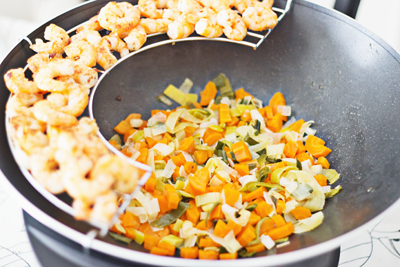 Recept wok met scampi's in kerrieroomsaus