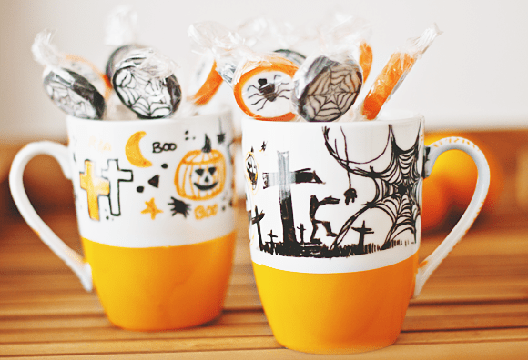 DIY Halloween mugs