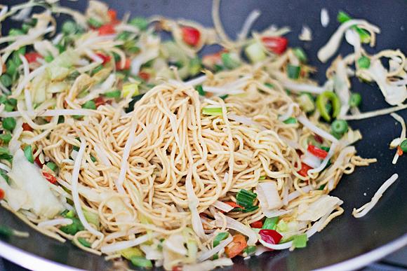 3 ingrediënten, 3 minuten, 3€ wok