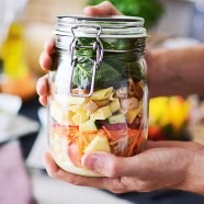 Een salad bar / jar party met IKEA