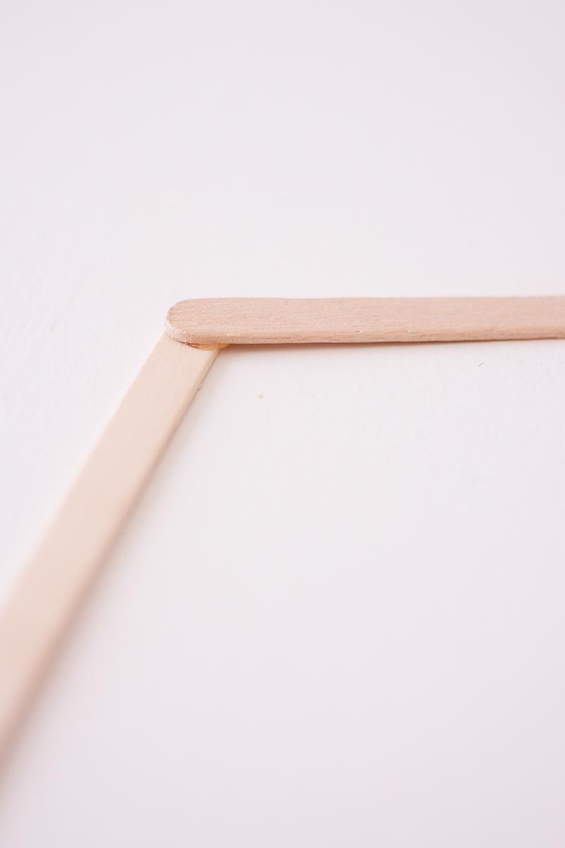 maak-zelf-een-zeshoekig-wandkastje-3-van-12