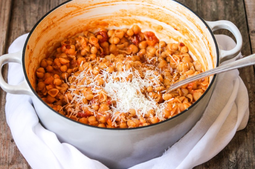 pasta e ceci, pasta and chickpeas, chickpea dinner, lunch, dinner, italian dinner, italian cooking, authentic italian cooking, family meals, the life harvest, food blog, pasta, roman food, italian dinner