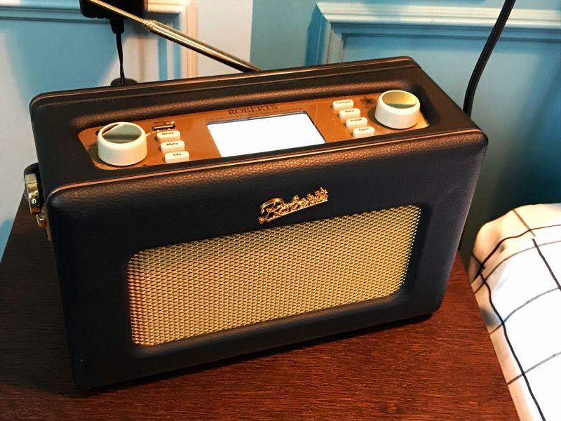 Hoxton Hotel Paris Roberts Retro Radio