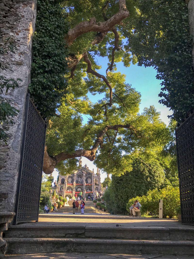 Pretty gardens of Palazzo Borromee