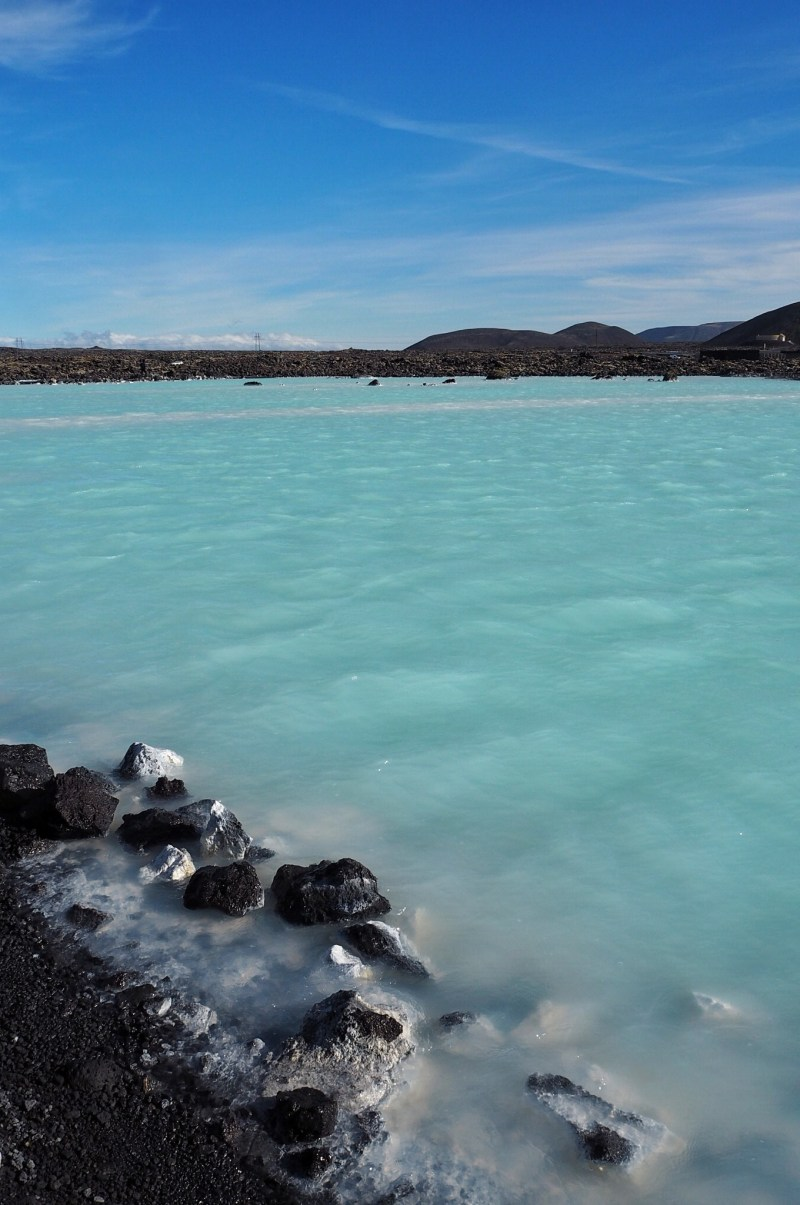 The-milky-pale-blue-waters-of-the-blue-lagoon-Iceland