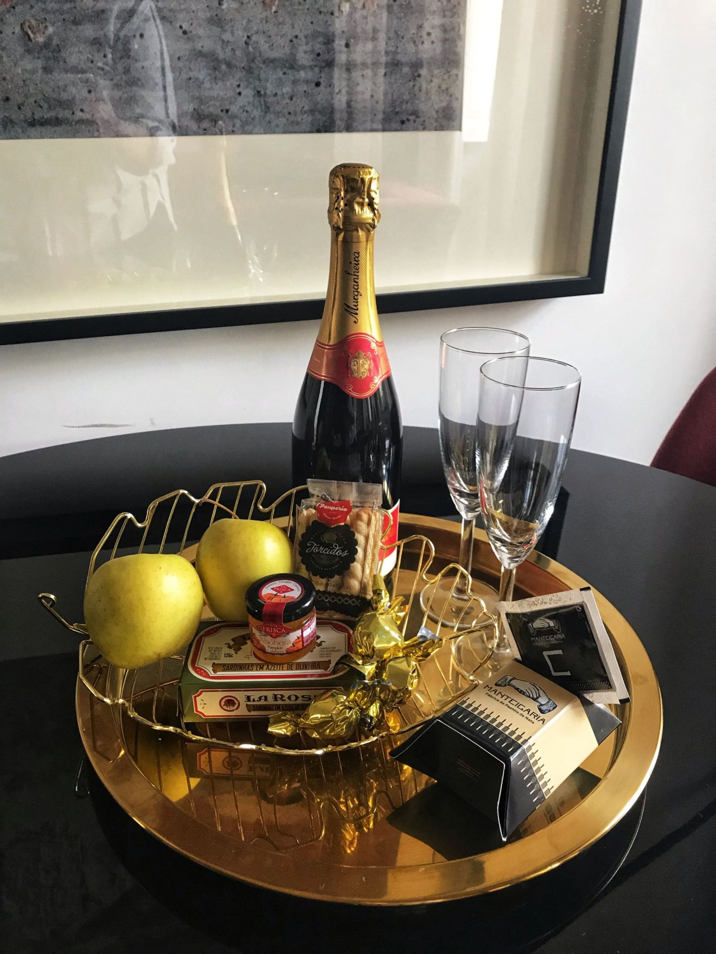 Welcome surprise on arrival at A5 Smart Luxury Suites Porto