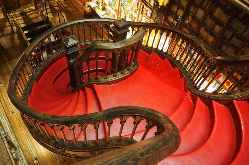 Hogwarts inspired staircase at Livraria Lello Bookshop Porto