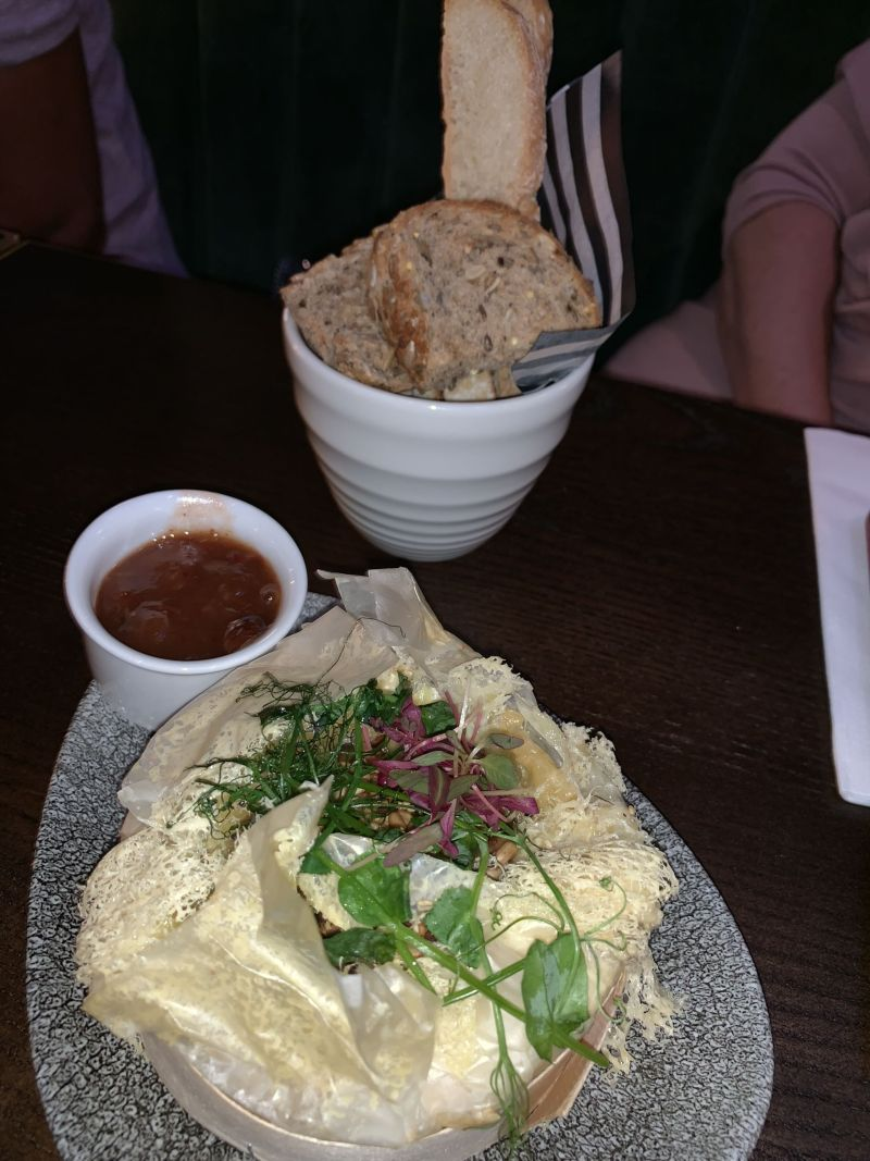 Baked-camembert-starter-Wavendon-Arms