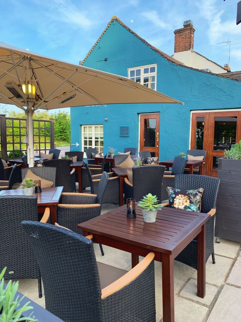 Outside-Terrace-at-The-Wavendon-Arms-Milton-Keynes