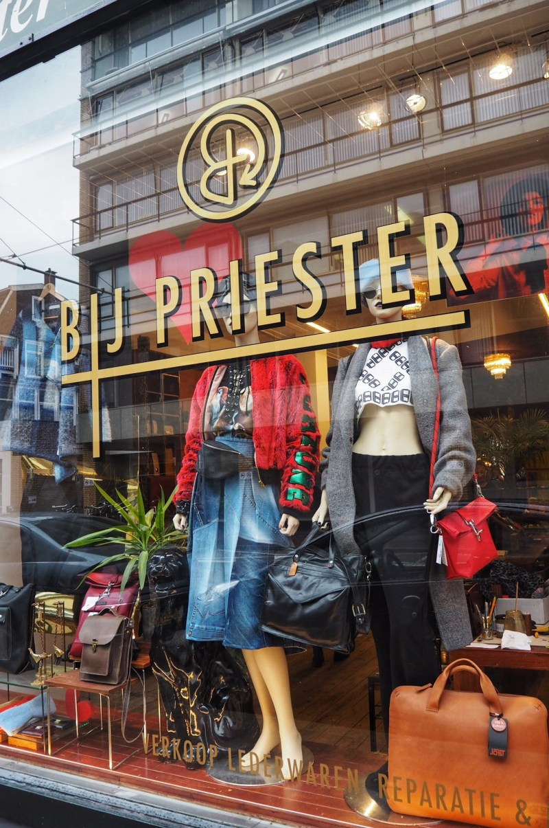 BIJ Priester Eco fashion swap library
