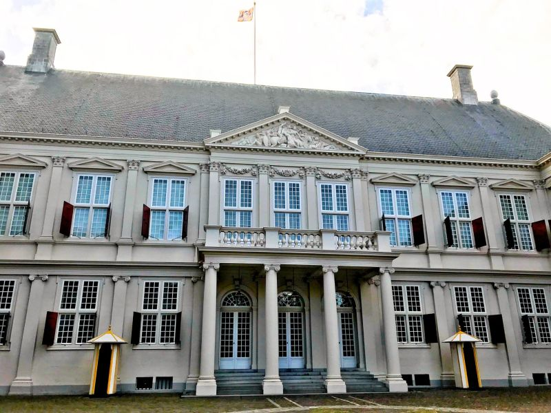 Palace-Noordeinde-Paleis-Noordeinde-The-Hague-Netherlands