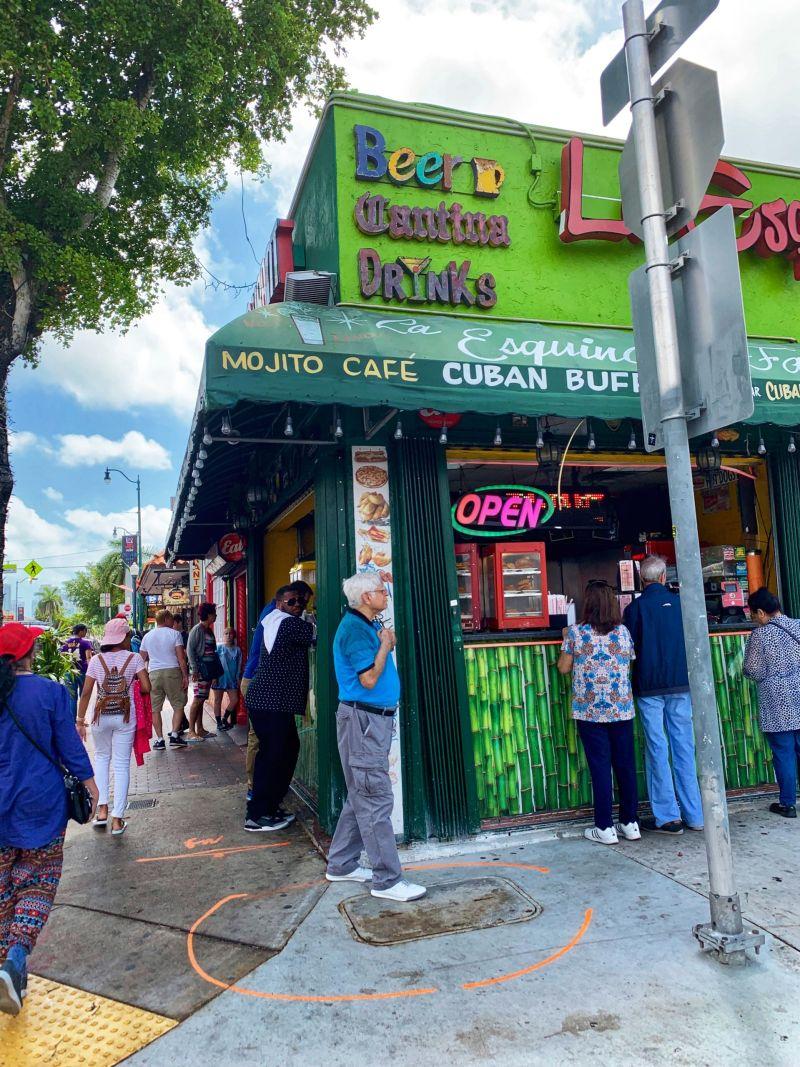 La-Esquina-de-la-Fama-Restaurant-Little-Havana-Cafe-2