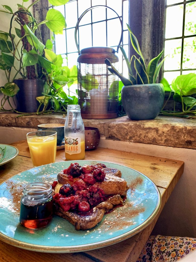 French-toast-brunch-Dyls-York