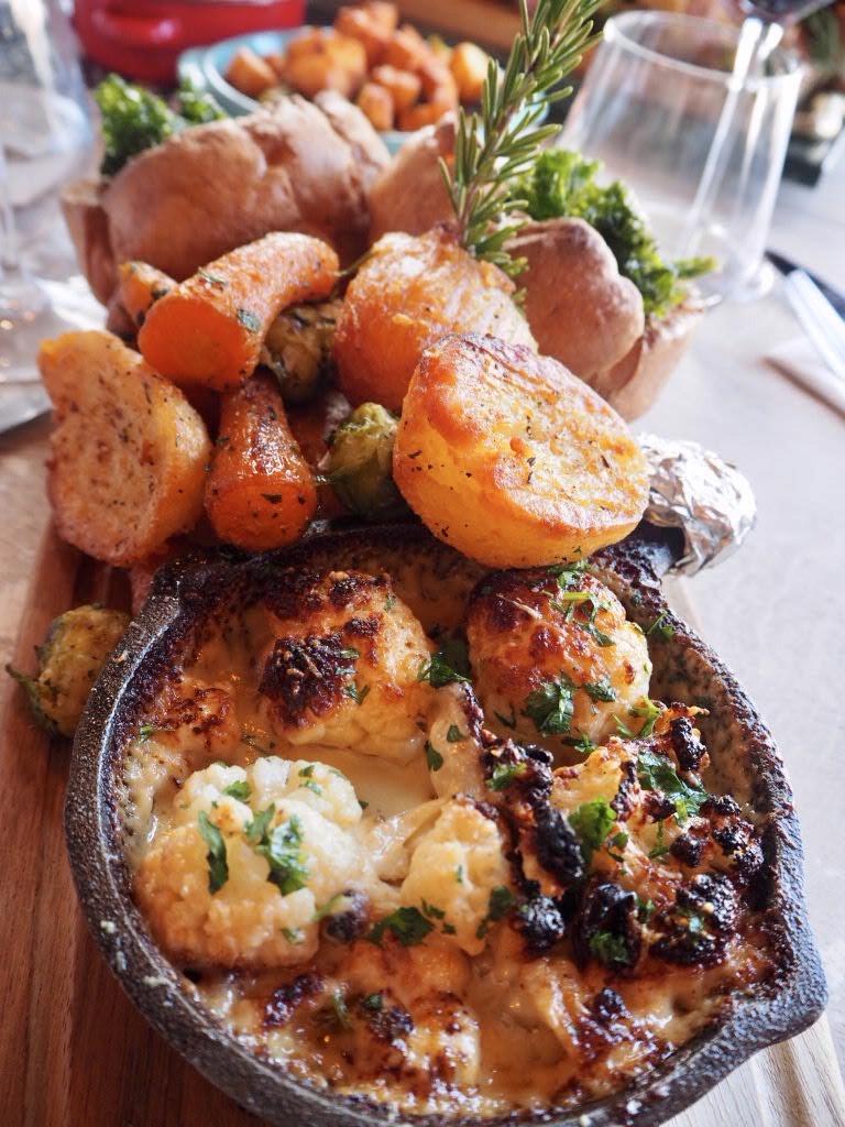 Cauliflower-cheese-and-Veggies-Nonnas-Woburn-Sands