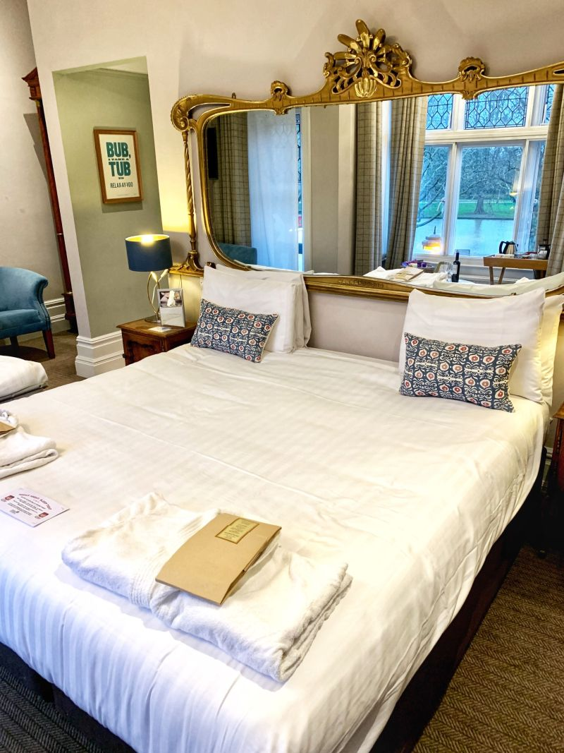 The Embankment Hotel Bedford River View Suite