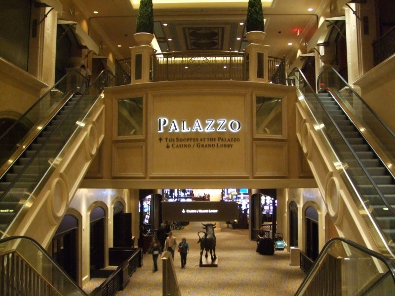 Shoppes At The Palazzo Luxury Shopping