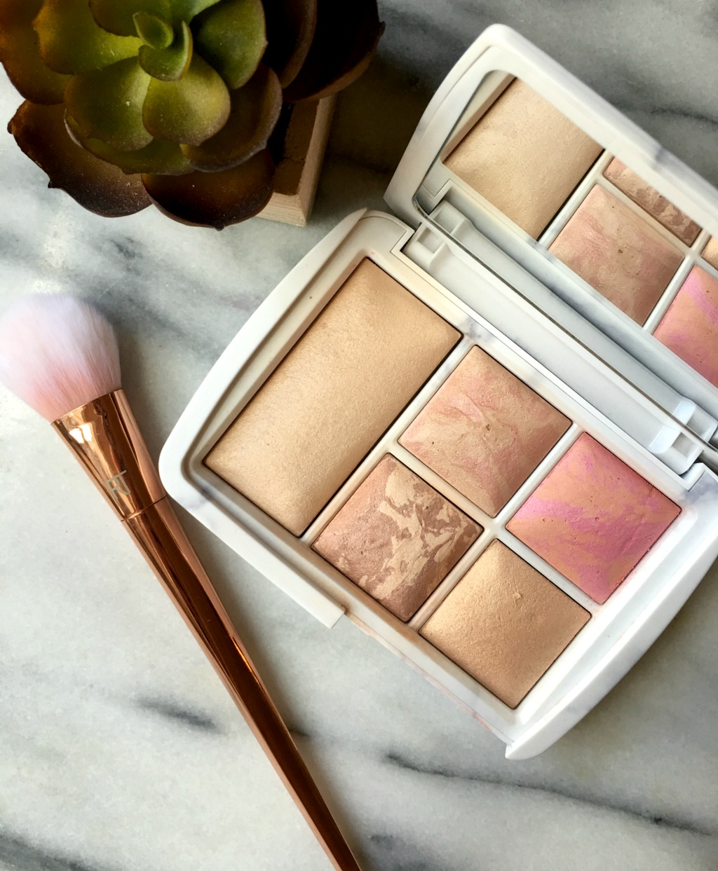 hourglass-ambient-lighting-edit