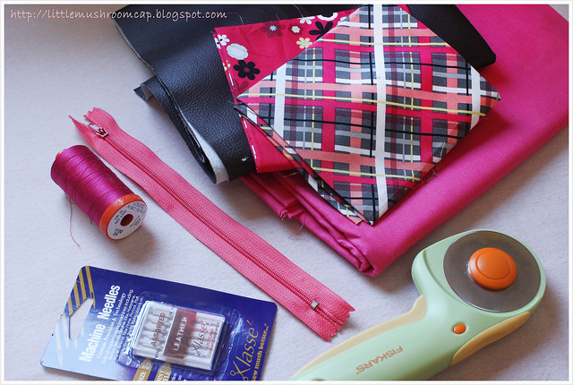 Tote tutorial  faux leather   Free Sewing Tutorial   How to sew bag   College bag DIY