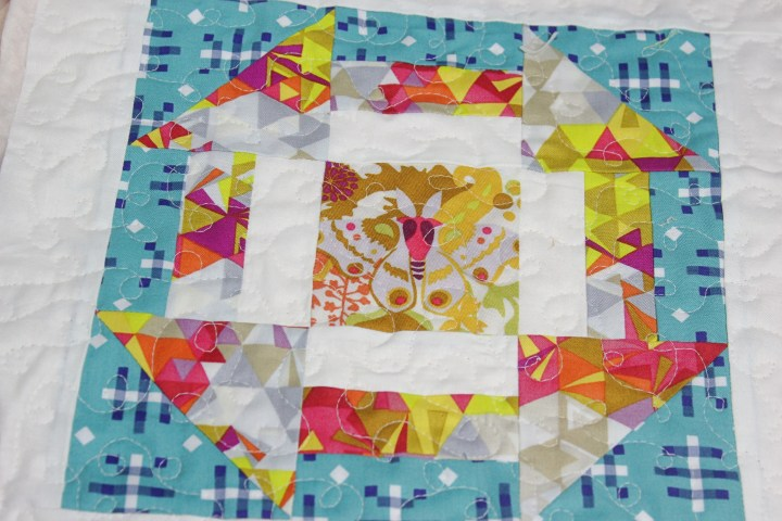 Sewcial Bee Sampler Quilt As You Go with the little mushroom cap loopy loop tips and video