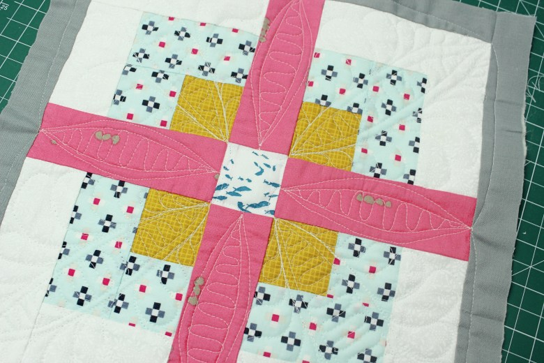Free Motion Quilting on Block Four Square| Sewcial Bee Sampler