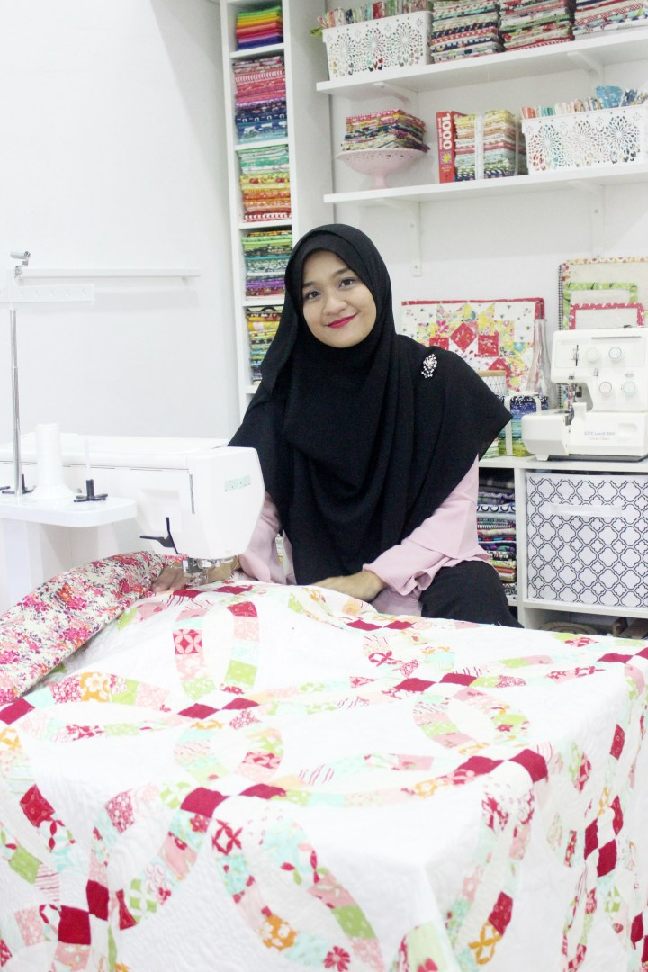 Double Wedding Ring Quilt sewing Corner