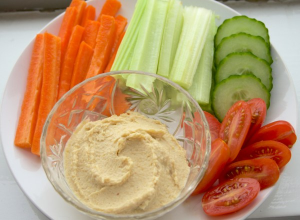 White Bean Hummus with Veggies | thelittleredspoon.com