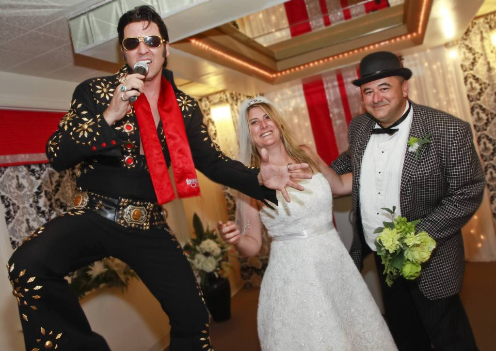Pretend Wedding Las Vegas Elvis