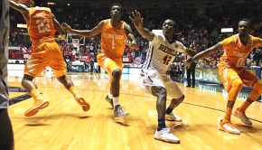 #MoodyMadness continues as Ole Miss beats Tennessee 59-57
