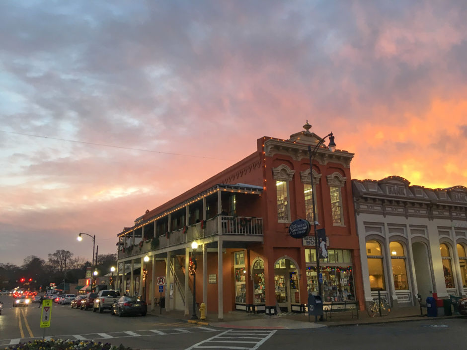 TLV Daily Dispatch: Monday, May 20, 2019 Food & Drink Specials in Oxford, Mississippi plus Entertainment Tonight in Ole Miss, Clarksdale, and Tupelo