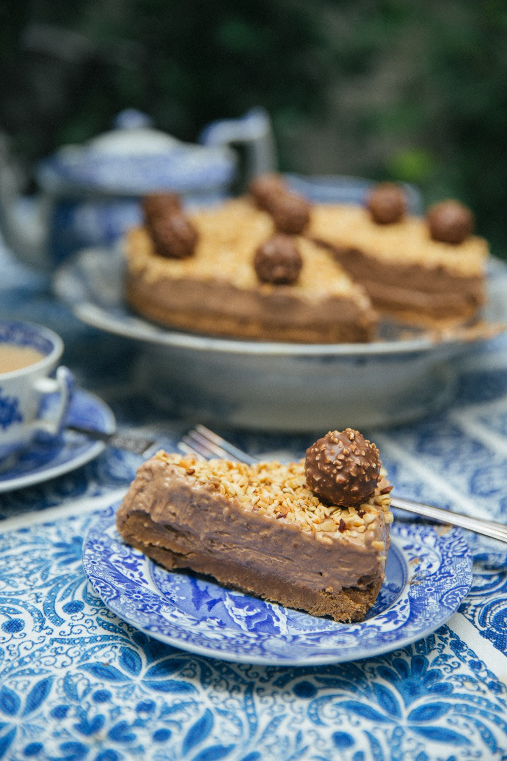 Ferrero Rocher {No-Bake} Cheesecake!