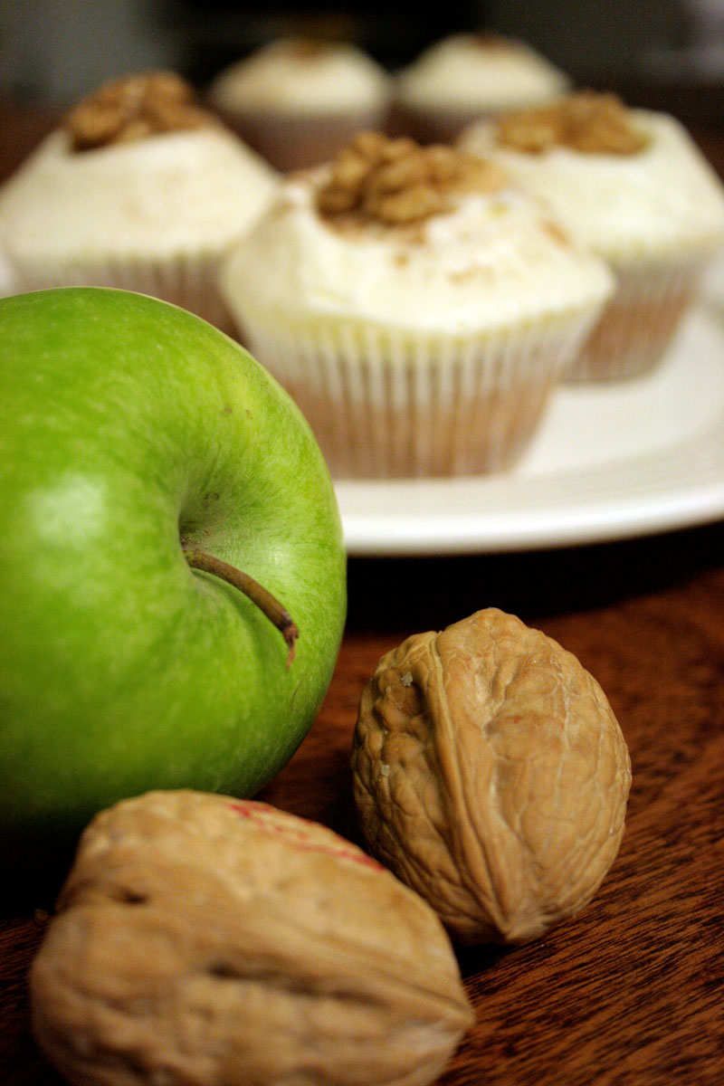 food-Photography-Cupcakes-with-walnuts