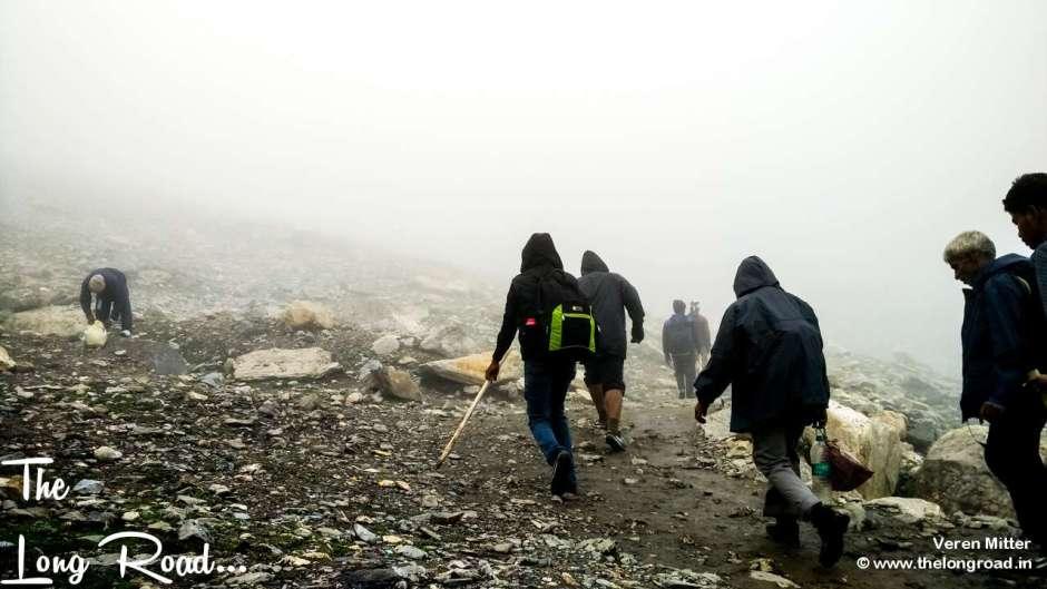 Charged devotees managing their way to Pissu ghatti,Amarnath