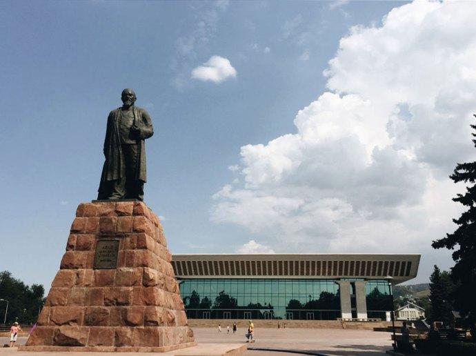 piazza-della-repubblica-lamaty-kazakistan