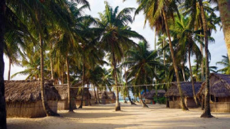 Volleyball on Tubasenika Island