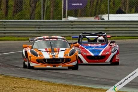 Race 2 - Rasse leads Pochauvin