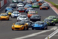 A huge grid of 43 cars sets off for the first Elise Trophy race of 2012 at Silverstone (image courtesy of Snappyracers)