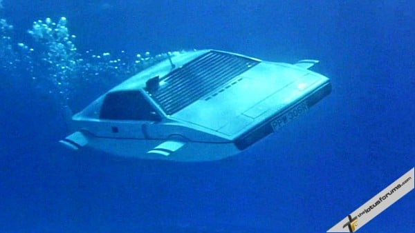 Lotus-Esprit-James-bond-2W