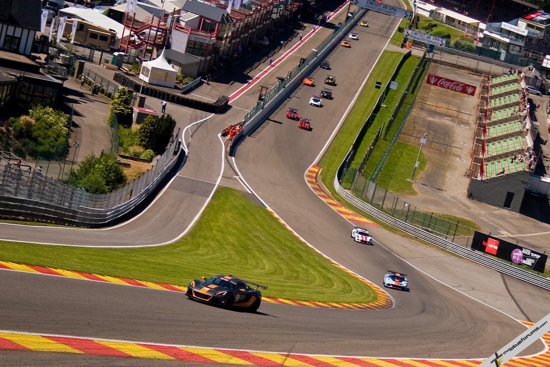 Lourenco_leads_race_one