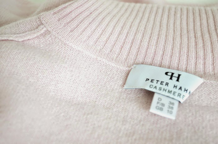 THE CASHMERE PULLOVER