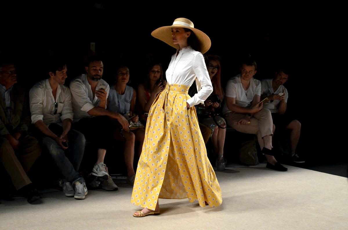 Lena Hoschek-Runway-Mercedes-Benz-Fashion-Week-En-Provence-Retro-Look-Inspiration-The Loud Couture-Catwalk-Fashion-Week-Berlin
