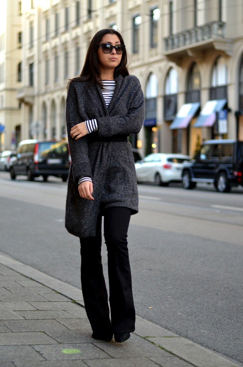 In Stripes And Knit - Lieblingsteile - Longcoat - Casual - Comfy - Look - OOTD - Streetstyle - Munich - German Fashionblog - Fashionista - Flared Pants - Schlaghose - Diesel - Maximilianstrasse