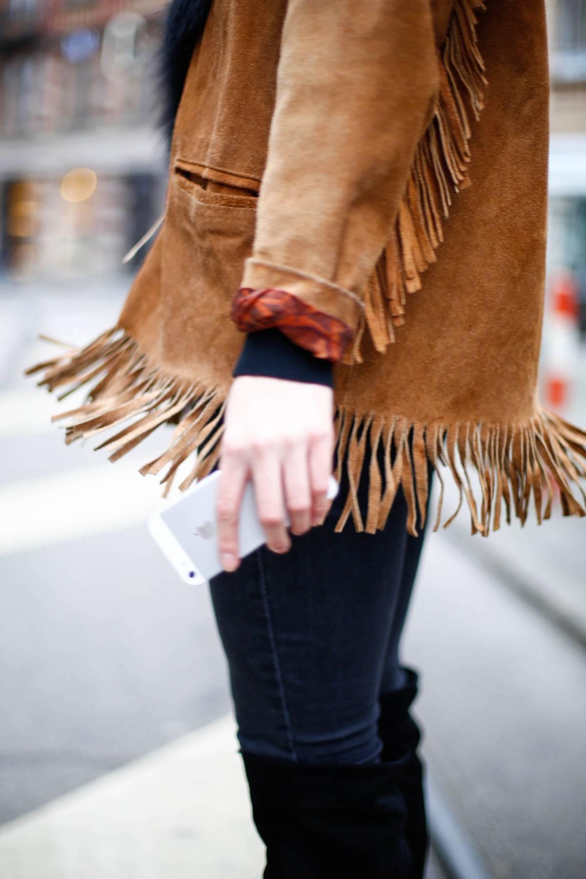 Fringed Jacket - Suede Leather - Vintage - Luxury - Overknees - Fur - Calvin Klein Sunnies - Fashionista - German Fashionblogger - Ootd - Streetstyle Munich - München Personal Style Blog - Isartor - Trends 2016