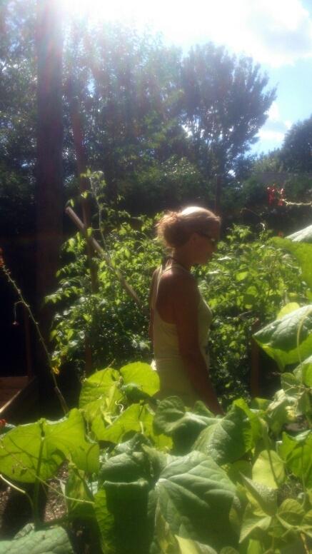 summer garden sustainable fashion ethical clothing ottawa ontario canada thrift shop slack line