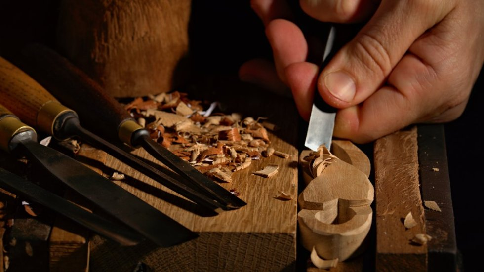 hand carving love spoons